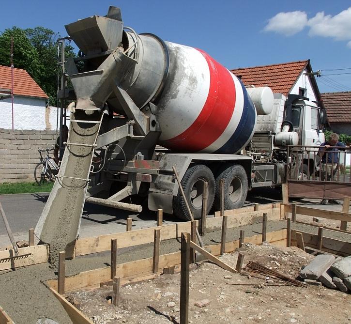 Pro velké objemy zavolejte raději do betonárny