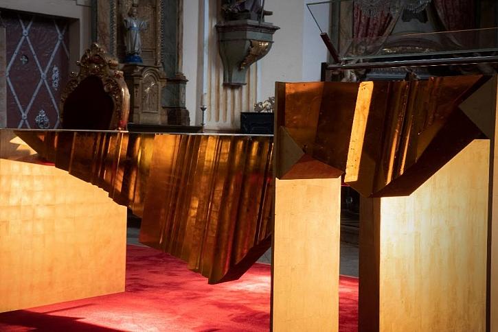 Nový oltář ve Šluknově