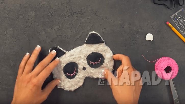 Maska na oči: nalepte oči a uši