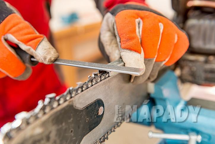 Broušení nože u motorové pily