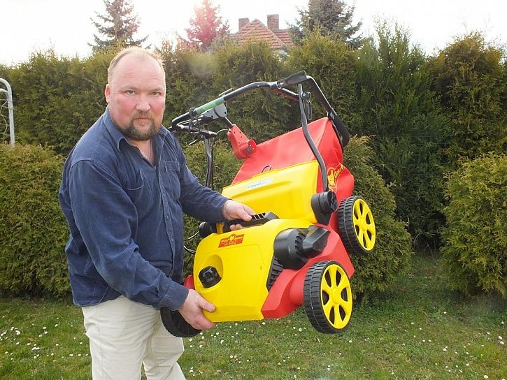 Benzínový nebo elektrický vertikutátor Wolf-Garten?