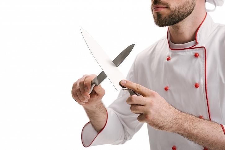 Broušení nožů je považováno trochu za rituál (Zdroj: Depositphotos)