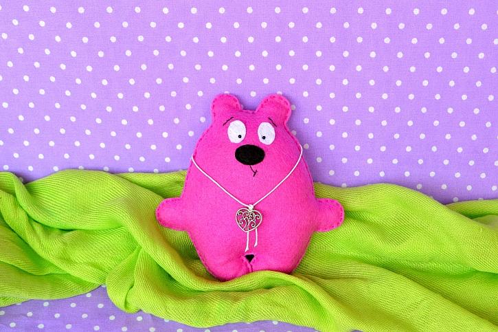 Vytvořte dětem roztomilého medvídka z plsti (Zdroj: Depositphotos)