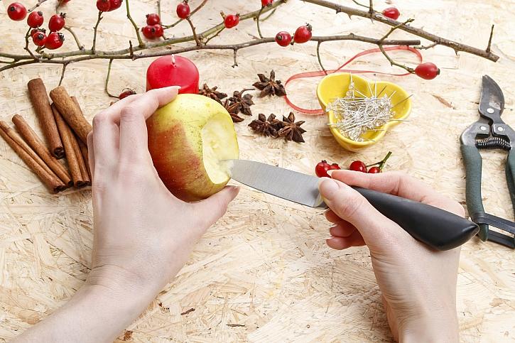 Vydlabání jablka
