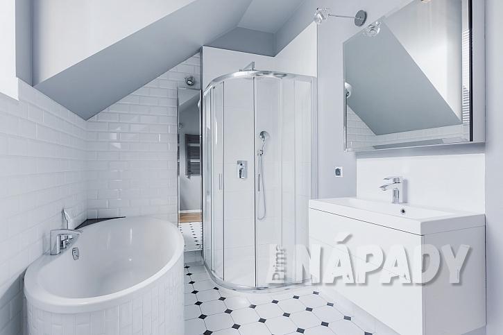 Zrcadlo dost významně ovlivňuje vzhled koupelny (Zdroj: Depositphotos.com)