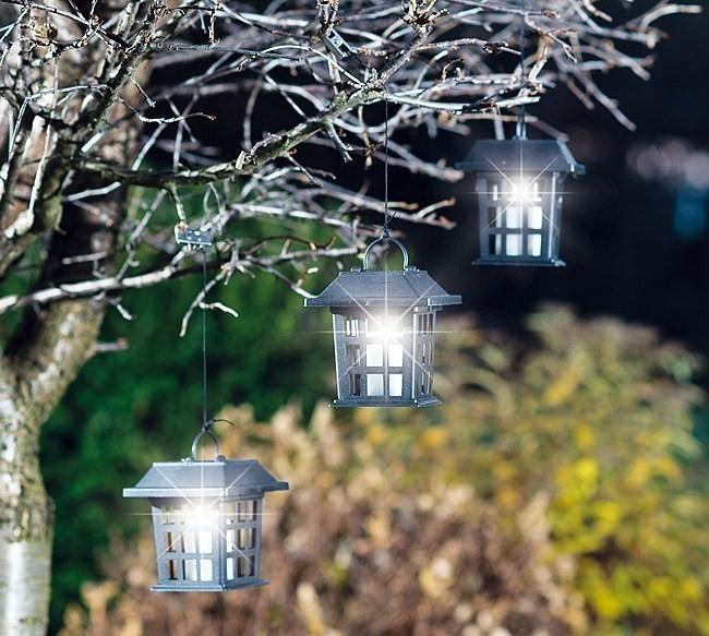 Solární dekorace a osvětlení oživí každou zahradu