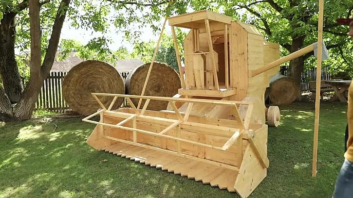 Kombajn ze dřeva