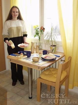 Výsuvný stůl aneb stolečku prostři se – 3. díl