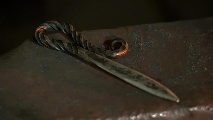 Výroba nože na dopisy přímo u statečného kováře Davida