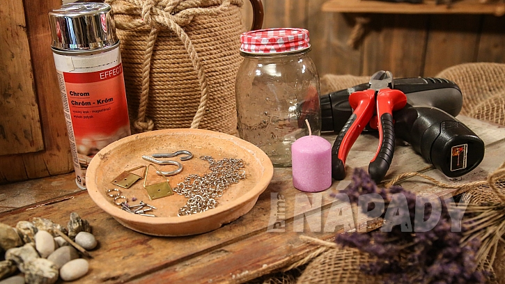 Co je na výrobu lucerny ze sklenice potřeba