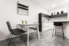 Proměna bytu v moderní interiér s prvky retra
