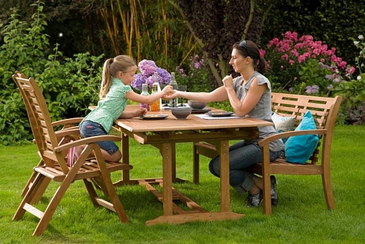 Jak správně udržovat zahradní nábytek