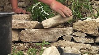 Postup stavby suché kamenné zídky