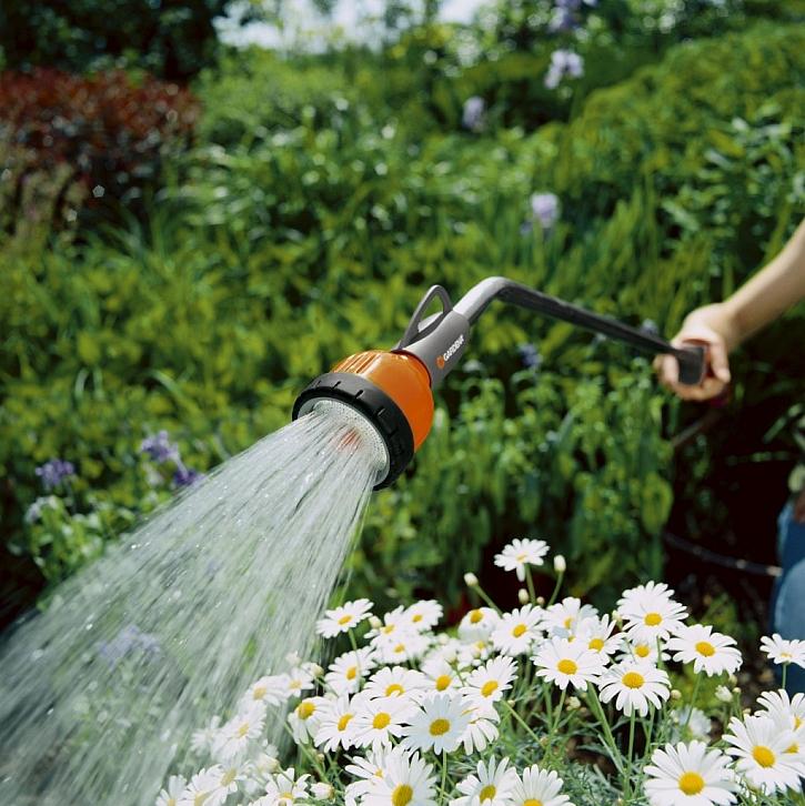 Vyberte si zahradní sprchu od firmy Gardena