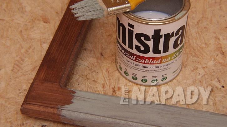 Dekorace DIY: rám natřeme nebo polepíme