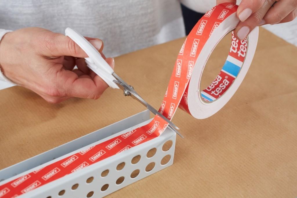 Správný postup lepení oboustranně lepicích pásek
