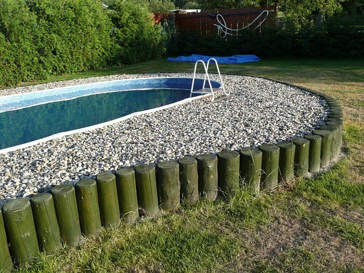Stavba zapuštěného bazénu