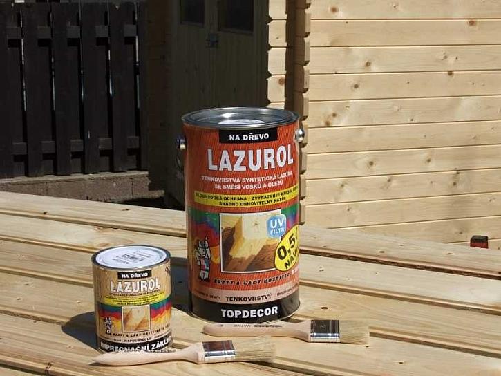Lazurol - natírání zahradního domku