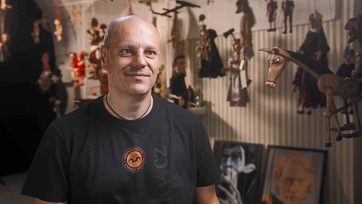 Petr Skácel - loutkář, který pomáhal založit univerzitu (Zdroj: Prima DOMA)