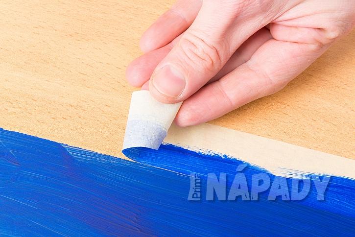 Bez malířské krycí pásky se při malování neobejdete (Zdroj: Depositphotos.com)