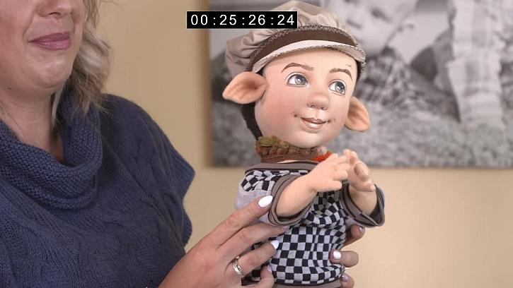 Láďa Hruška jako panenka