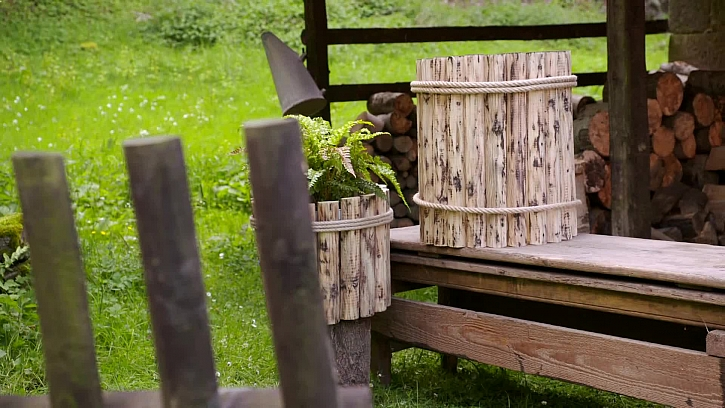 Vyrobte si stylový sud ze starého plotu