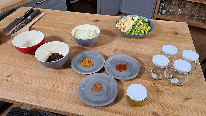 Připravíme si zeleninu a koření