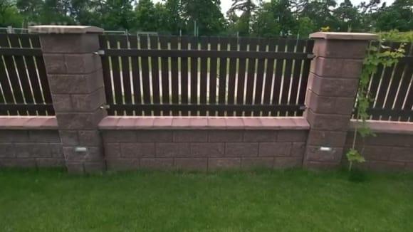 Suché zdění plotu