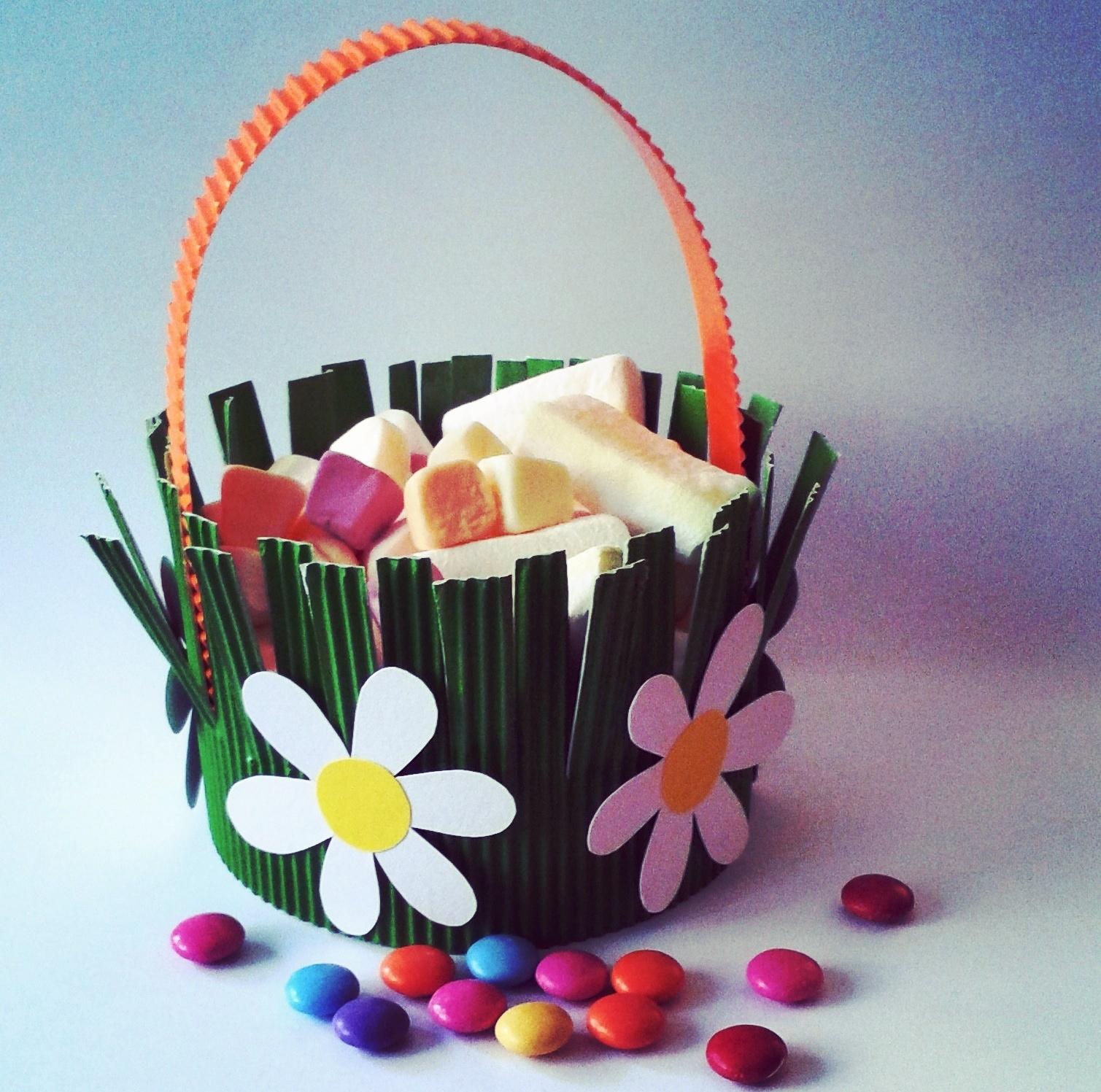 Jak udělat s dětmi jarní košíček na sladkosti