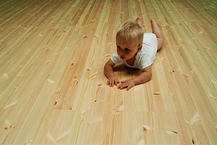Borovicová podlaha