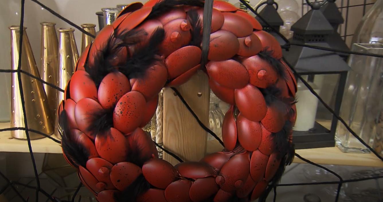 Hallowenský dekorační věnec zplastových lžiček
