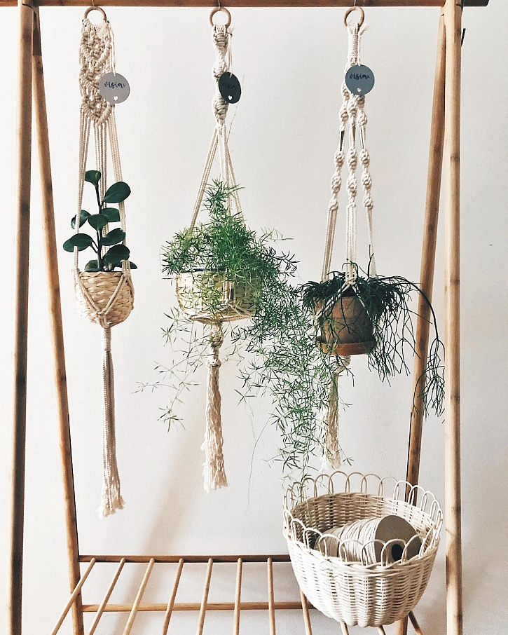 Zahrada_na_nitiMakrame_zavesy_Visim