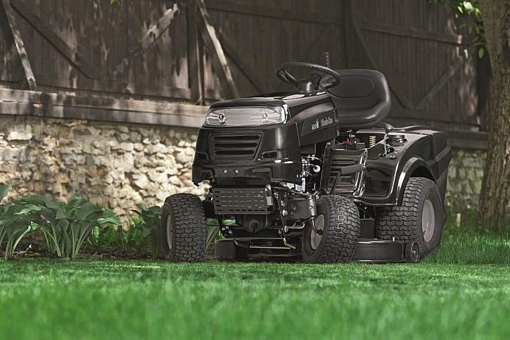 zahradní traktor