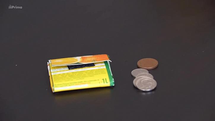 Peněženka z kartonu od džusu