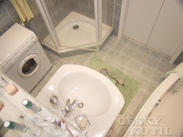 3. Koupelna a jádro – největší bolest paneláků