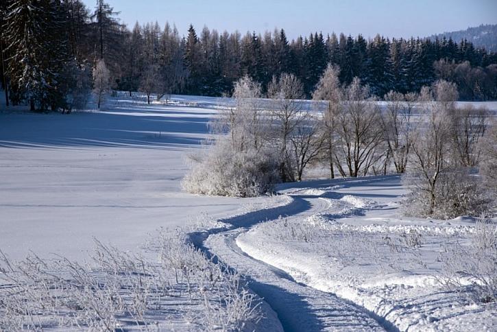 """Sypké zimní řetězy – """"must have"""" výbava každého zodpovědného motoristy (Zdroj: Lias Vintířov)"""