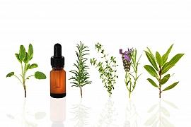 Vyrobte si pleťový květinový olej přesně pro váš typ pleti a ušetříte