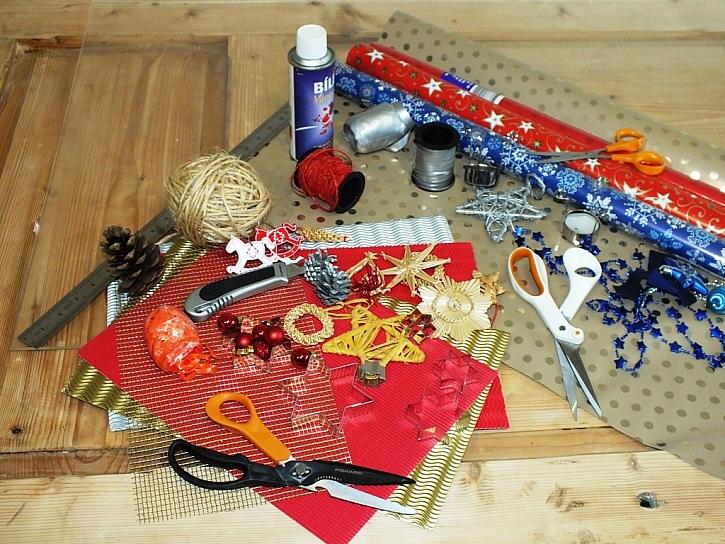 Ukázka balení dárků za pomoci nůžek Fiskars – video