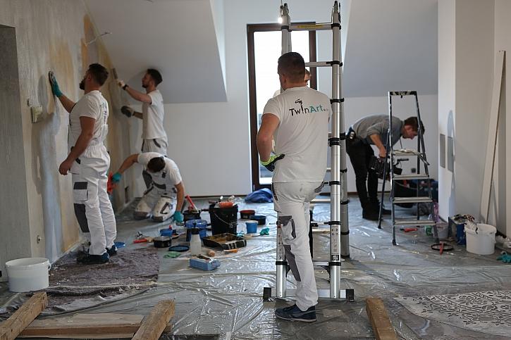 Malíři při práci