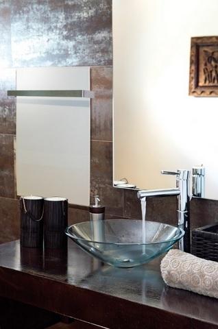 Skleněné topné panely - design a tepelná pohoda pro každou koupelnu