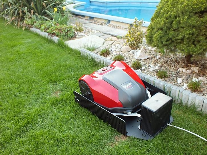 Robotická sekačka MTF 2000 S, pomocník pro dokonalou péči o trávník bez námahy