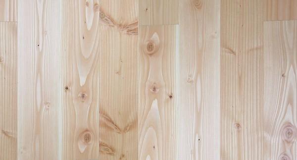 Proč masivní podlahu z borovice douglasky?