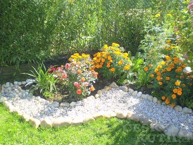 Skalka v rohu zahrady