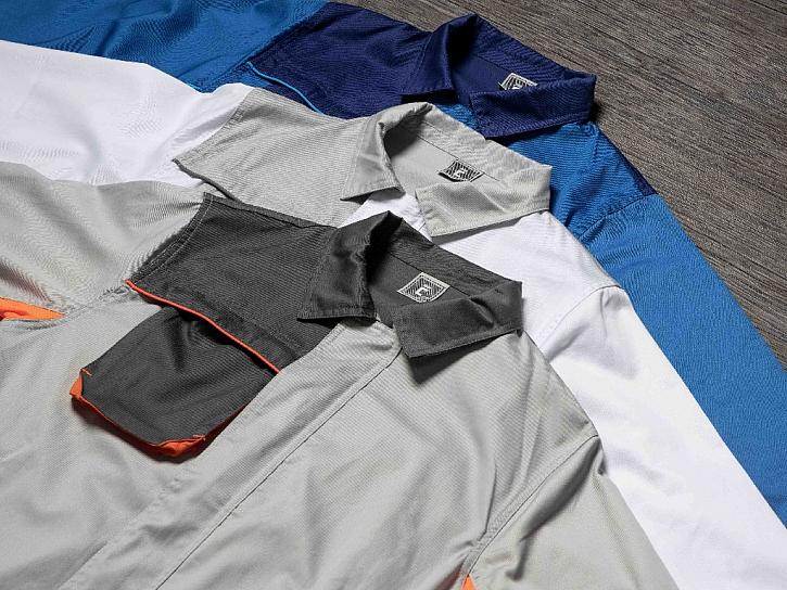 oděv chránící elektrostatickými výboji