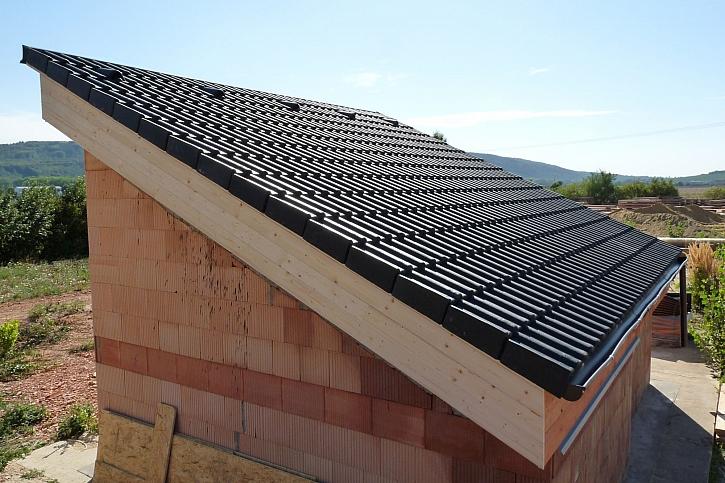 10_Těžká šikmá střecha HELUZ_hotová střecha