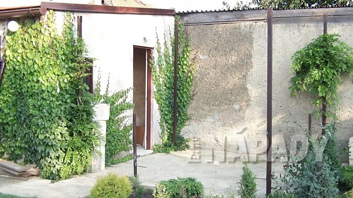 Zastřešená pergola: základ je zákoutí s vybetonovanou podlahou