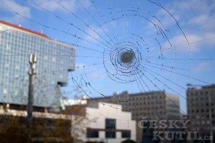 Bezpečnostní fólie na sklo