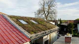 Stavba střechy na letní kuchyni aneb Komu se nelení, tomu se zelení