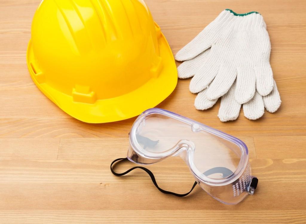 Ochranné pracovní pomůcky jsou pro vaše bezpečí, nepodceňujte jejich používání