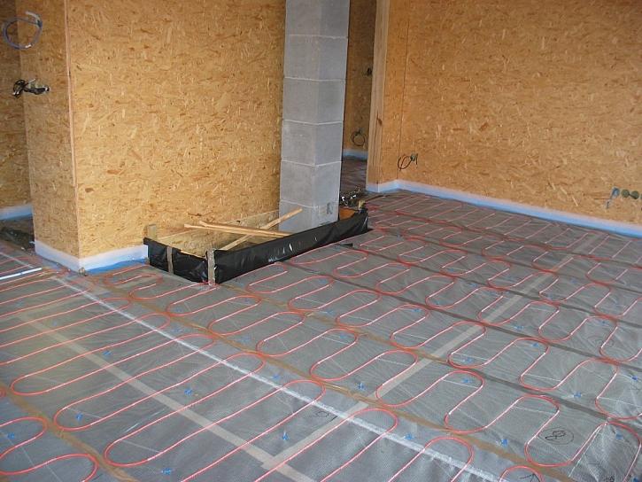 Ukázka podlahy obývacího pokoje s topným kabelem ECOFLOOR